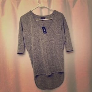 Super soft thin v-neck 3/4 sleeve express shirt